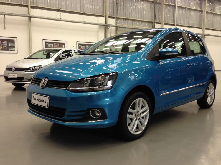 2015 VW Fox front three quarter blue