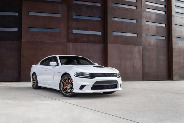 Dodge Charger SRT Hellcat front right three quarter