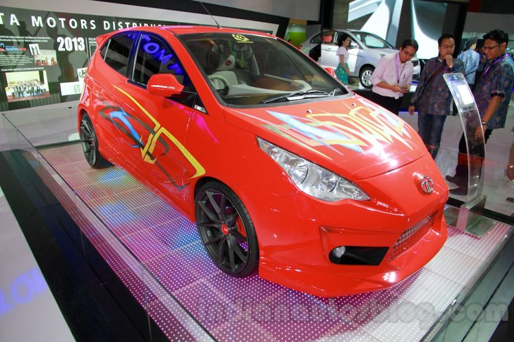 3-door Tata Vista Modified at the 2014 Indonesia International Motor Show front quarters