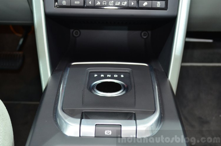 Land Rover Discovery Sport gear selector at the 2014 Paris Motor Show