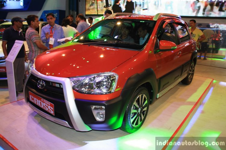 Toyota Etios Cross front three quarter at the 2014 NADA Auto Show Nepal