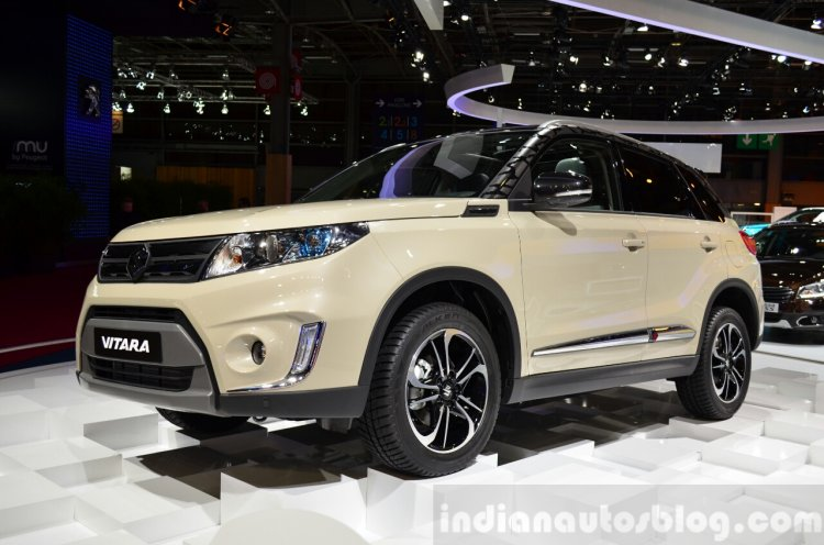 2015 Suzuki Vitara front three quarter at the 2014 Paris Motor Show