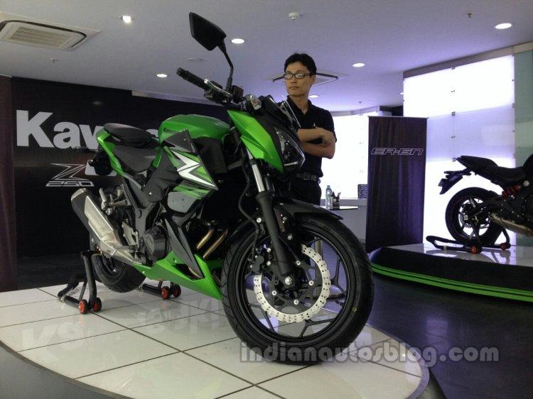 Kawasaki Z250 from the India launch