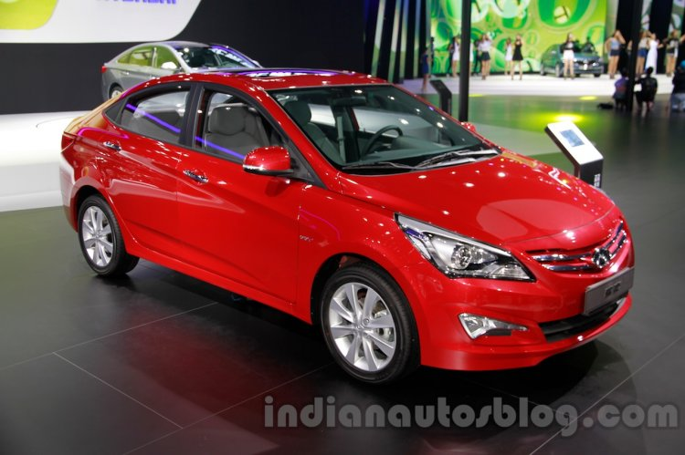 Hyundai Verna Facelift front quarter at the 2014 Guangzhou Auto Show
