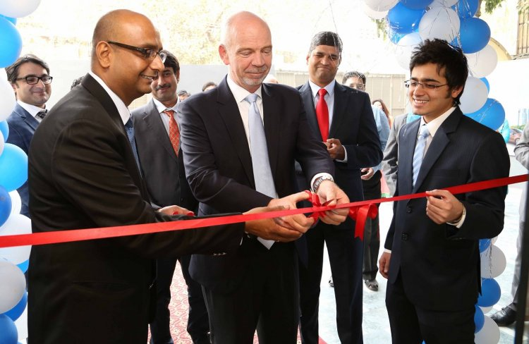 Nigel Harris, President, Ford India with the Directors of  Eminent Auto Delhi
