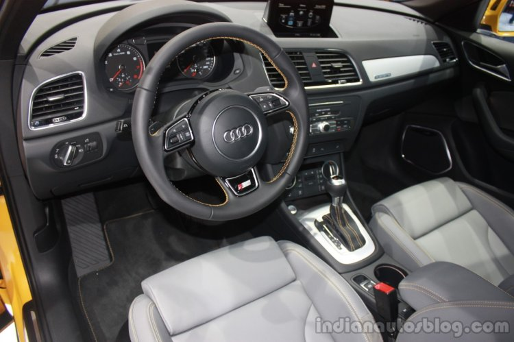 2015 Audi Q3 Facelift interior at the 2015 Detroit Auto Show