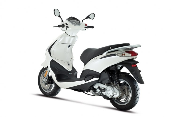 Piaggio Fly rear quarter