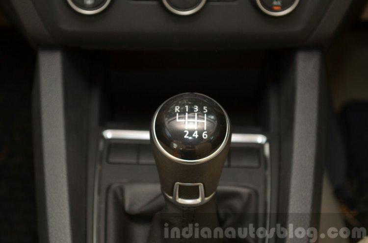 2015 VW Jetta TSI facelift gear Review