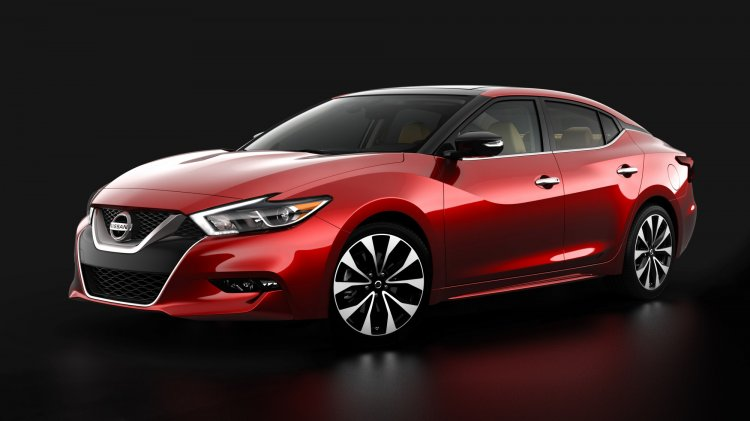 2016 Nissan Maxima front three quarter