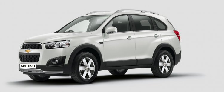 2015 Chevrolet Captiva side for India press image