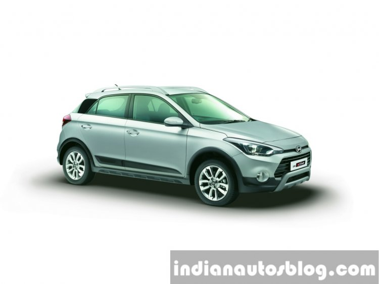 Hyundai i20 Active Silver color press shots