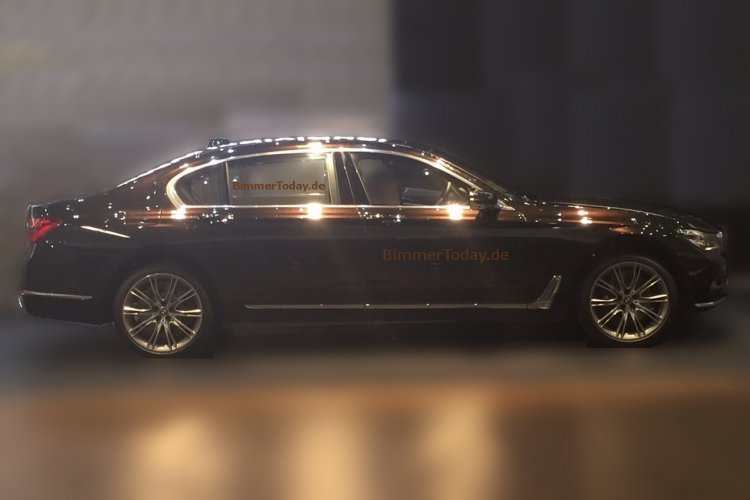 2016 BMW 7 Series side leaked