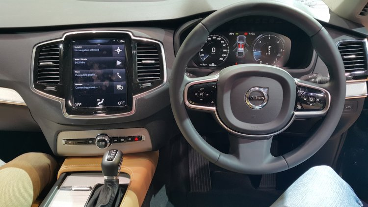 2015 Volvo XC90 driver view india launch