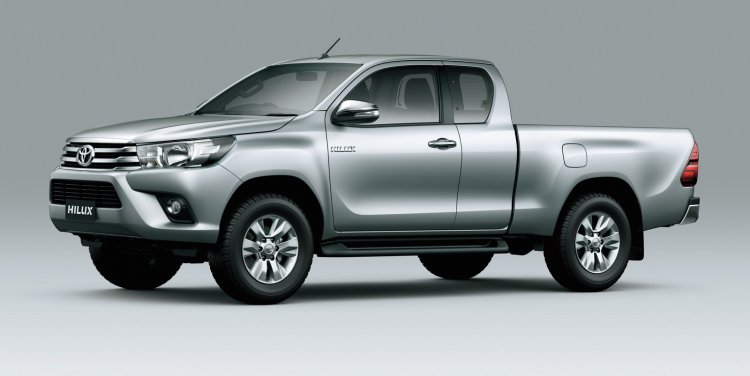 2016 toyota hilux space cab front three quarter press image