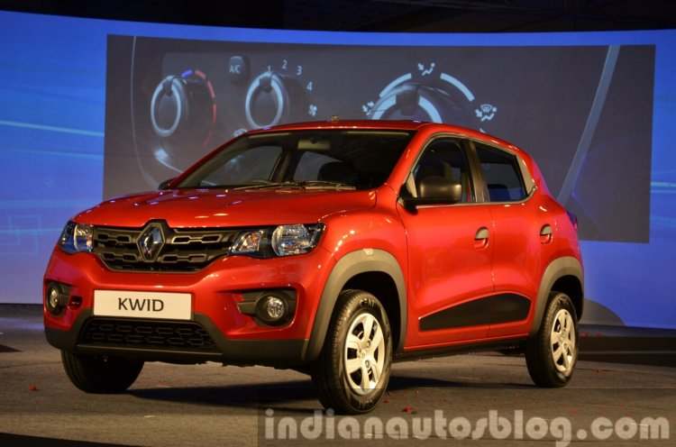 Renault Kwid front three quarters view from India