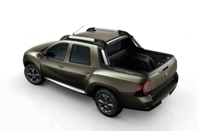2016 Renault Duster Oroch rear top view unveiled press image