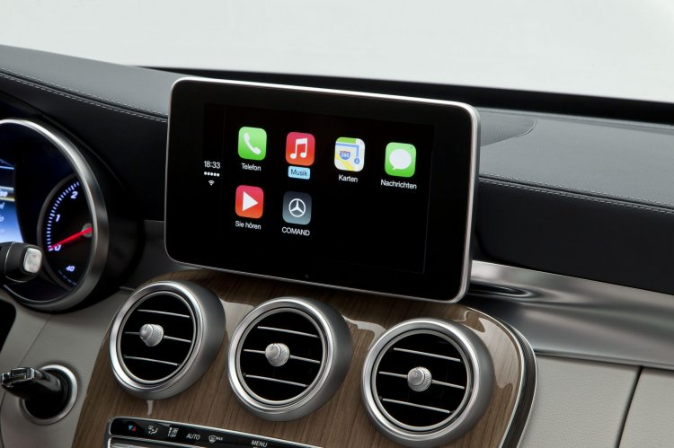 Mercedes COMAND infotainment with Apple CarPlay