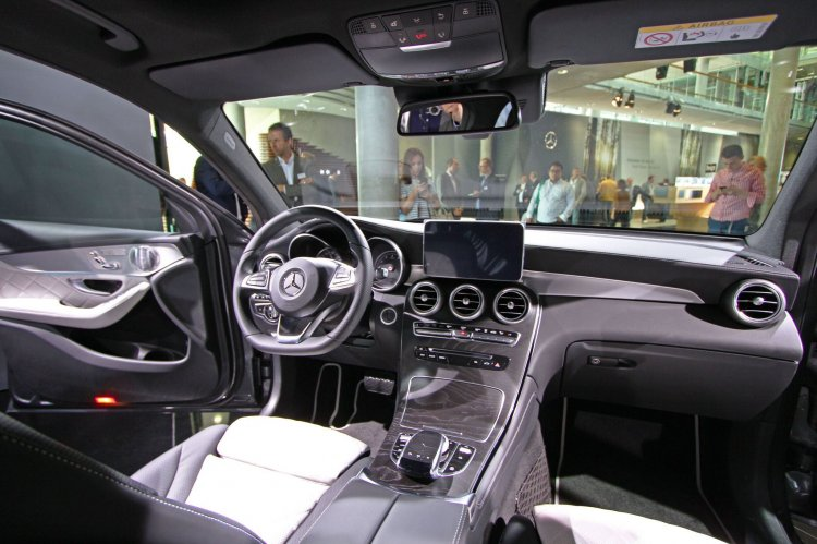Mercedes GLC interior live images
