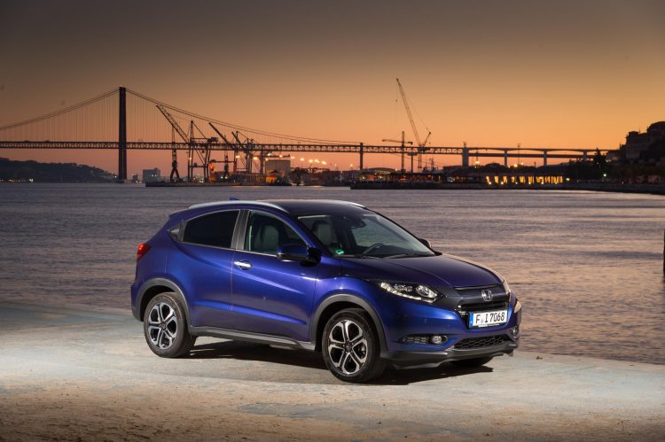 2015 Honda HR-V front three quarter features, variants and prices released in United Kingdom