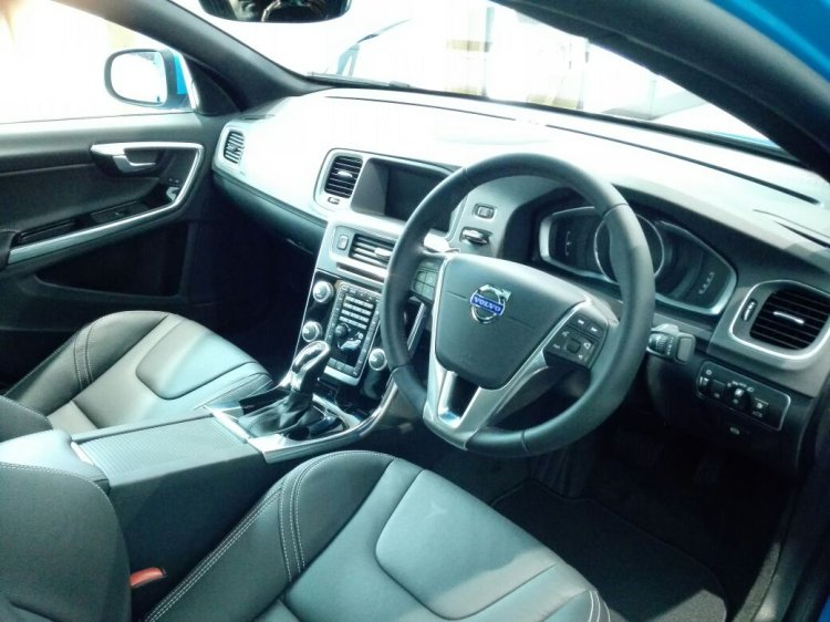 Volvo S60 T6 interior India launch
