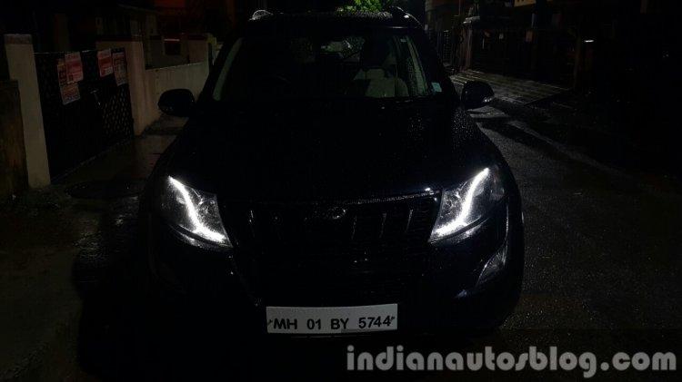 2015 Mahindra XUV500 (facelift) headlamps dark review