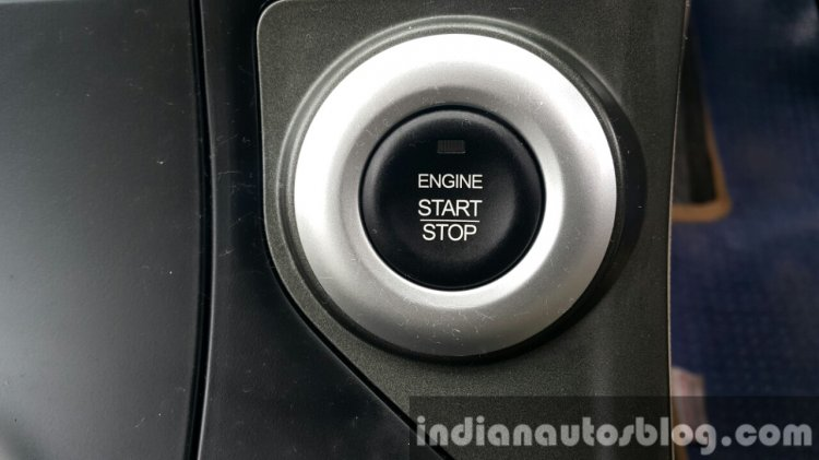 2015 Mahindra XUV500 (facelift) start:stop button review