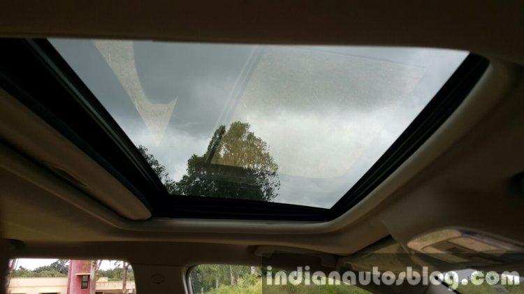 2015 Mahindra XUV500 (facelift) sunroof review