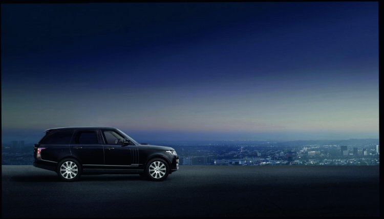 2015 Range Rover Sentinel side unveiled