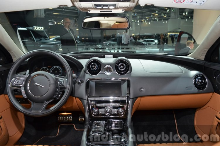 2016 Jaguar XJ dashboard interior at IAA 2015
