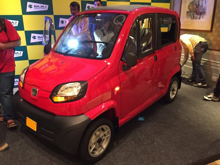 Bajaj Qute front three quarter left during unveil in India