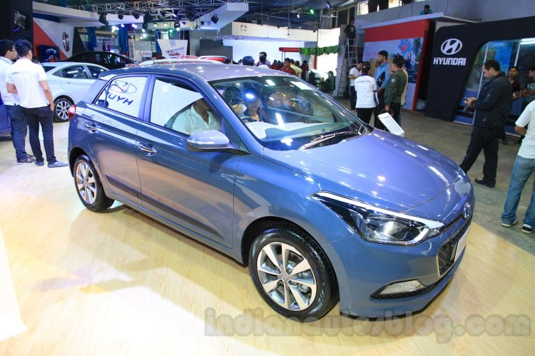 Hyundai Elite i20 front three quarter
