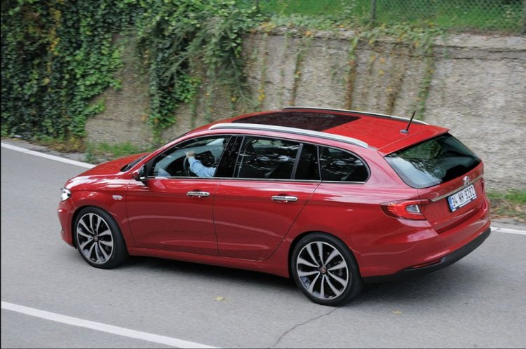 Fiat Tipo Estate rear three quarter Rendering