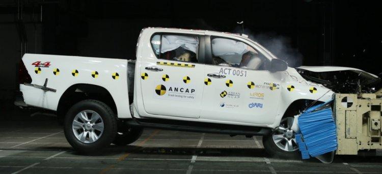 Toyota Hilux ANCAP crash test