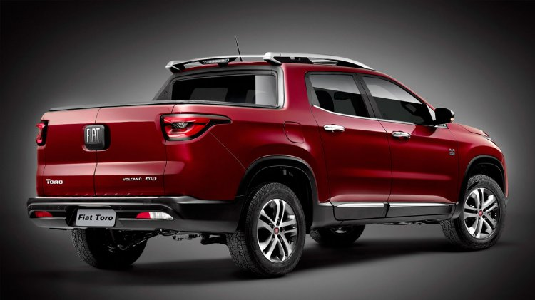 Fiat Toro rear end unveiled