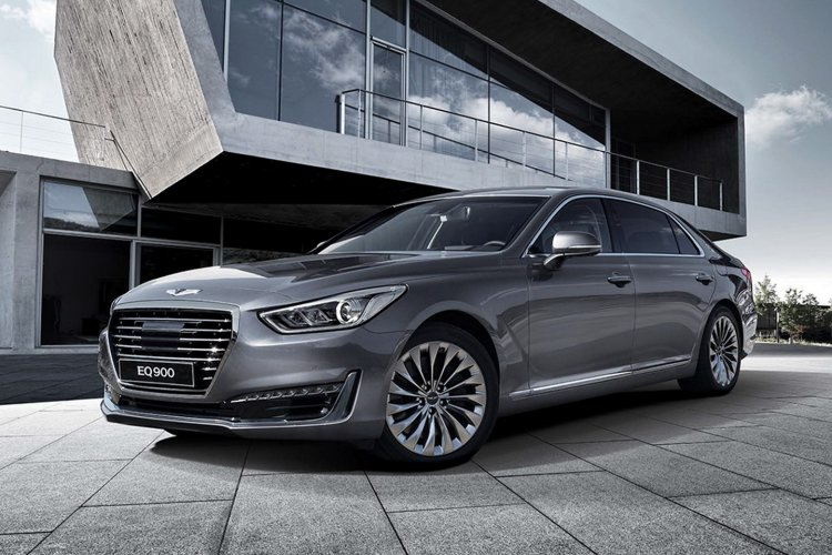 Genesis G90 (Genesis EQ900) front three quarter unveiled