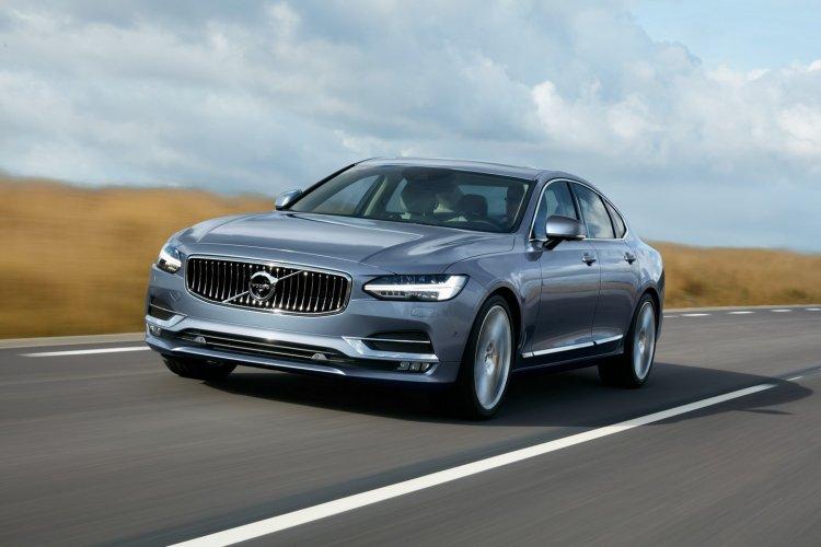 Volvo S90 front quarter unveiled