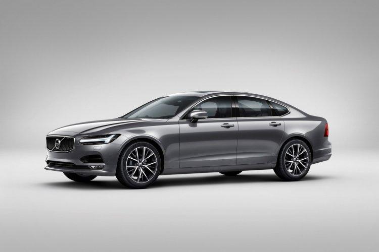 Volvo S90 front three quarter unveiled