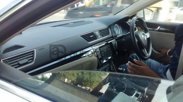 2016 Skoda Superb L&K interior snapped in India