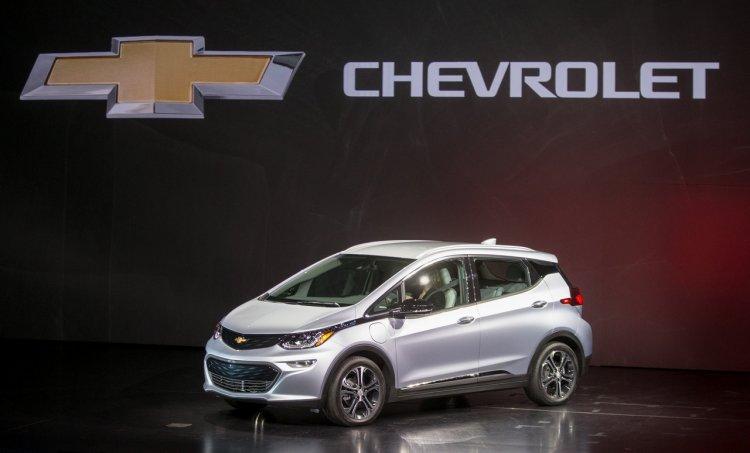 2017 Chevrolet Bolt CES 2016 unveiling