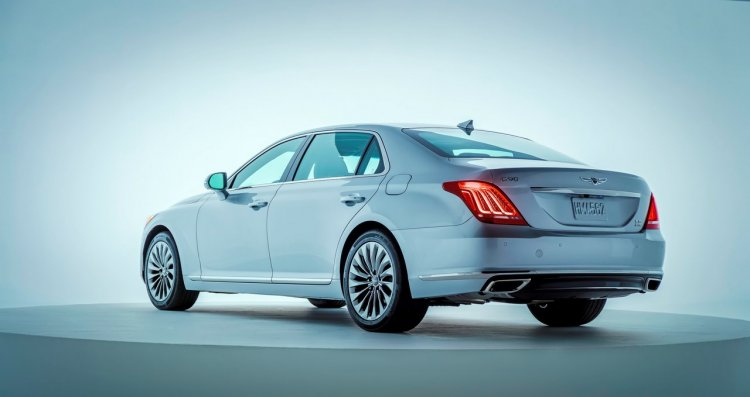 2017 Genesis G90 rear three quarters