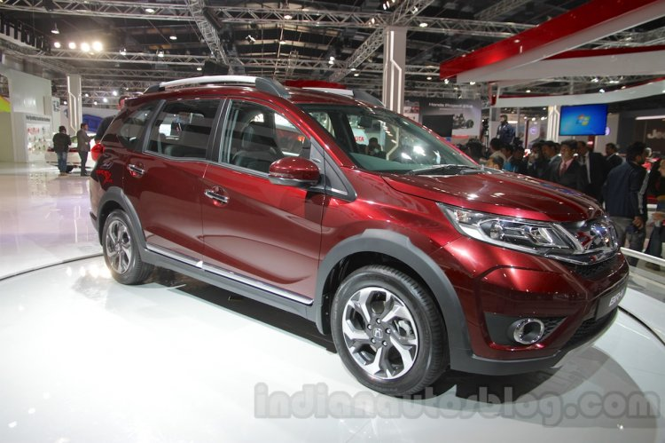 Honda BR-V front three quarter Auto Expo 2016