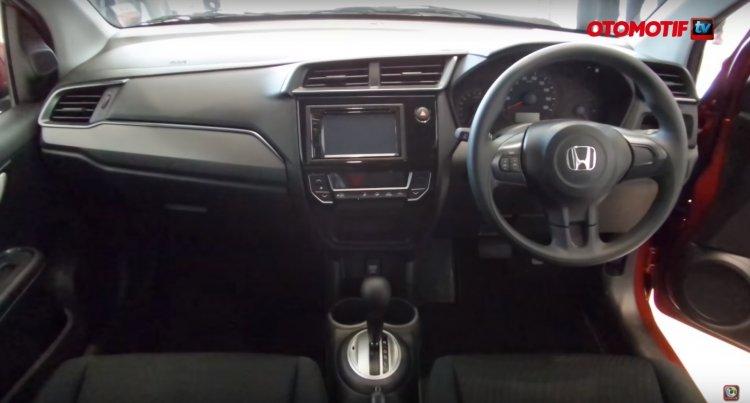 New Honda Mobilio RS dashboard