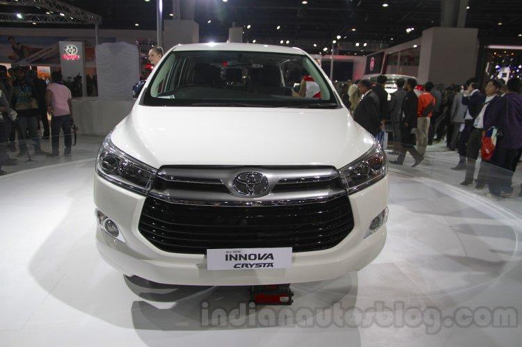 Toyota Innova Crysta front fascia at Auto Expo 2016