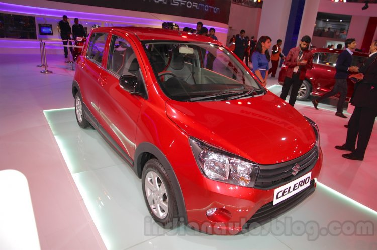 Maruti Celerio Cross front three quarters left at Auto Expo 2016
