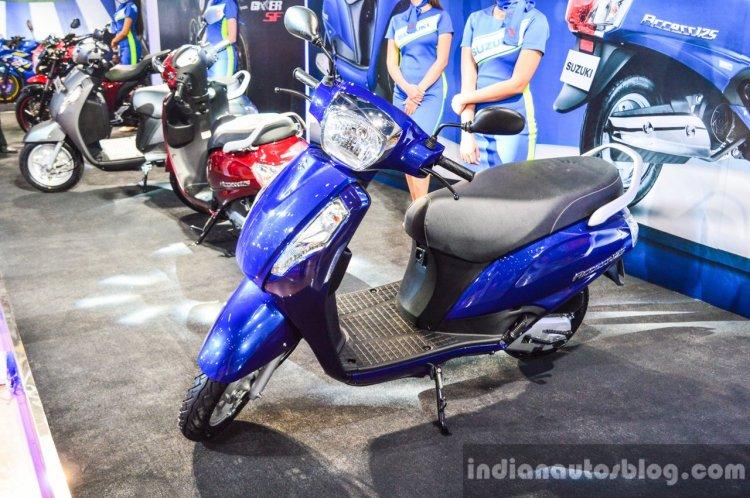 New Suzuki Access 125 front three quarter view at Auto Expo 2016