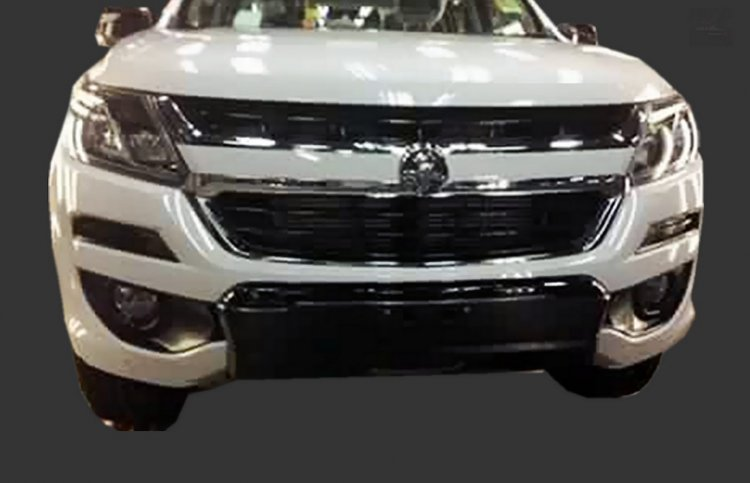 2016 Holden Colorado front spy shot