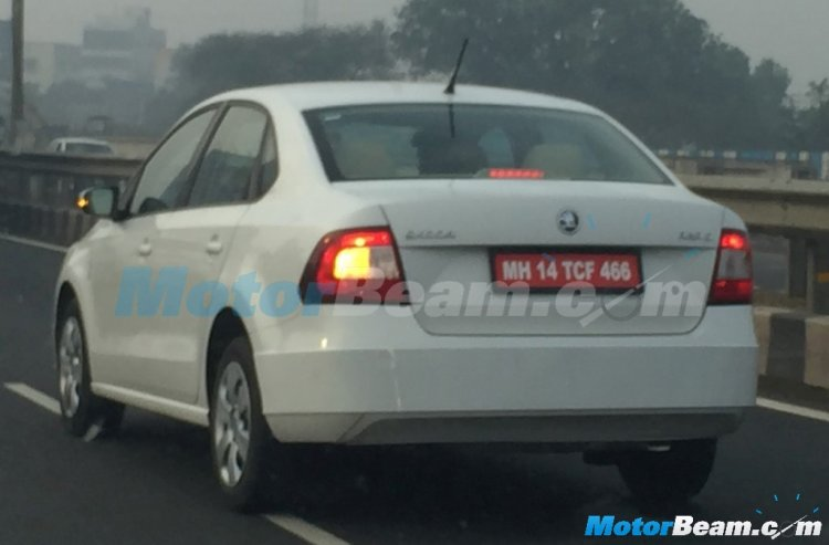 2016 Skoda Rapid (facelift) rear quarter spied
