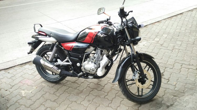 Bajaj V15 front quarter review Rohit