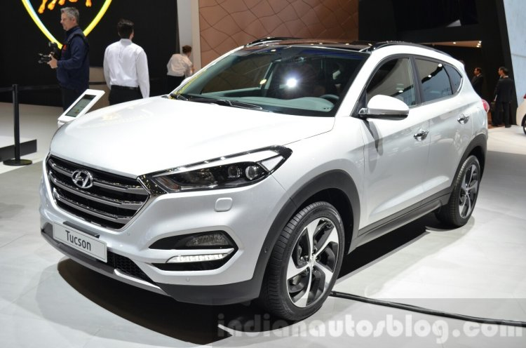 Hyundai Tucson front three quarters at 2016 Geneva Motor Show