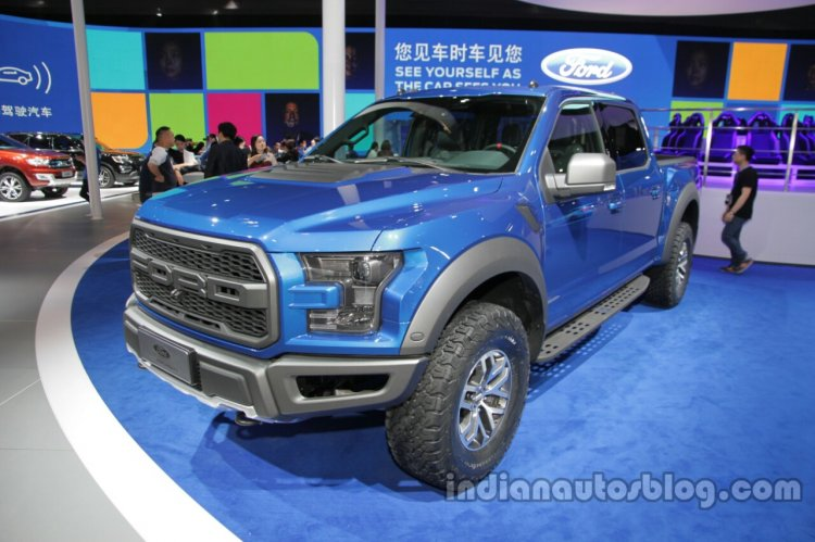 2017 Ford F-150 Raptor SuperCrew front three quarter at the Auto China 2016